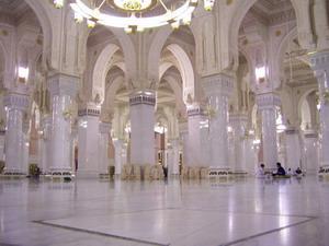 Lantai 2 Masjidil Haram di waktu malam